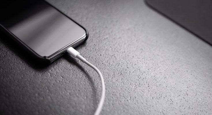 Säkra telefontiden med nytt mobilbatteri